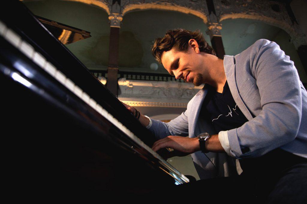 Martin Herzberg am Klavier